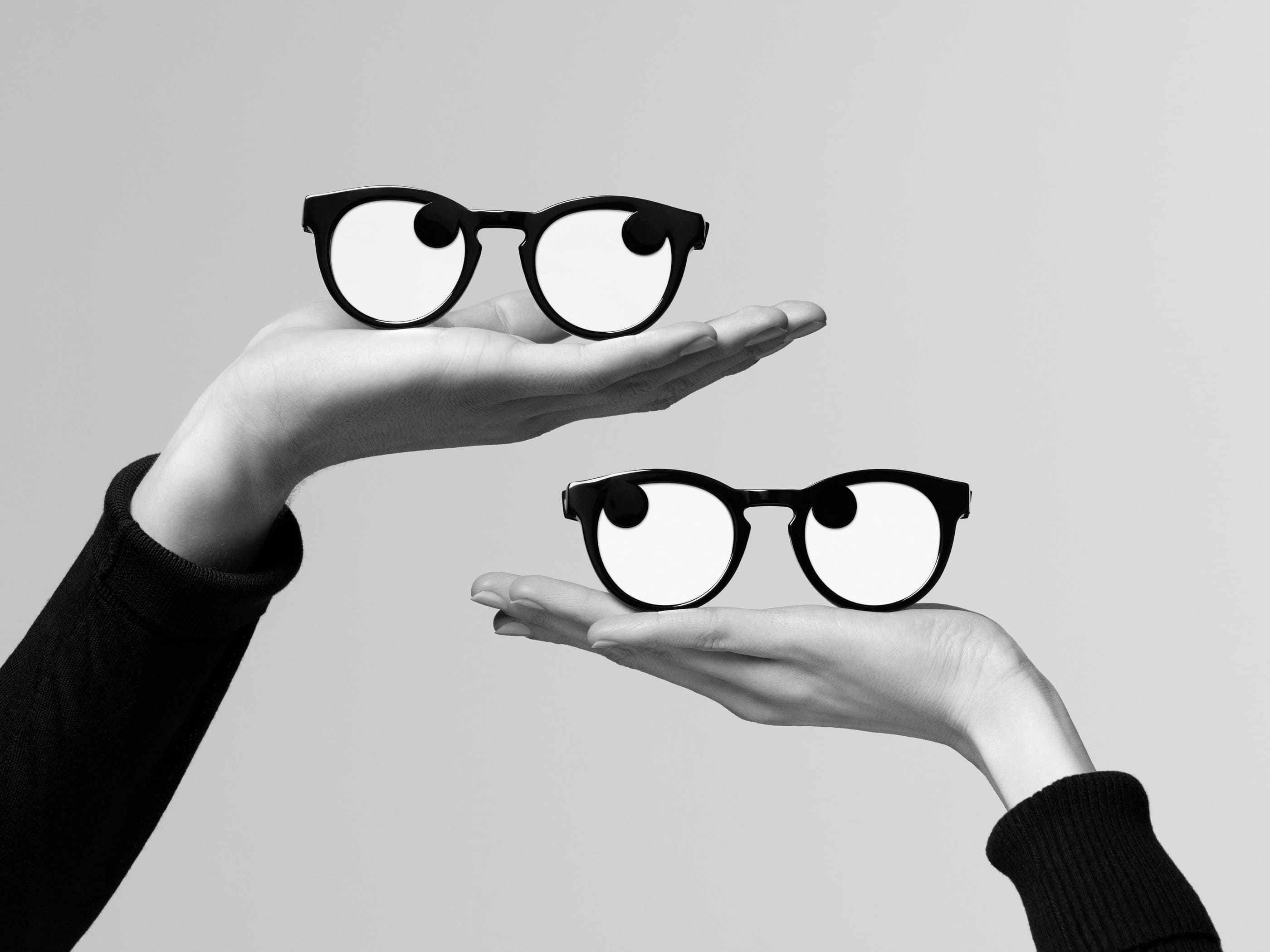 Studio Sander Plug – Ace & Tate - Rolling Eyes